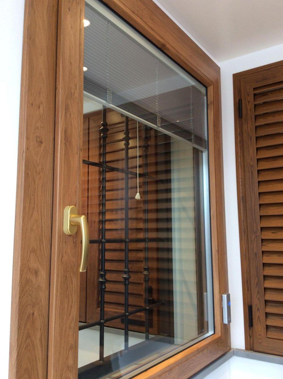 Persiane e finestre san giuliano terme casa del serramento for Finestre e persiane