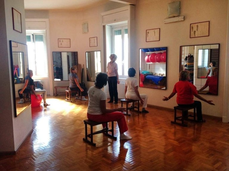 esercizi posturali schiena BACK SCHOOL Genova
