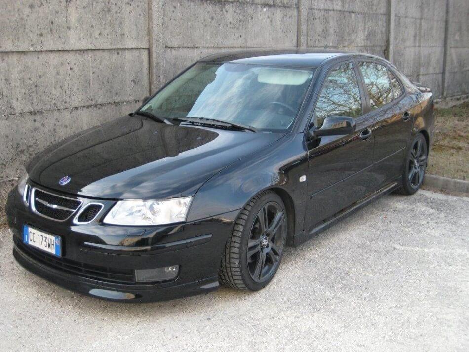 Auto nera