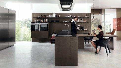 mobili per cucina in acciaio, mobili in legno scuro per cucine, cucina con isola