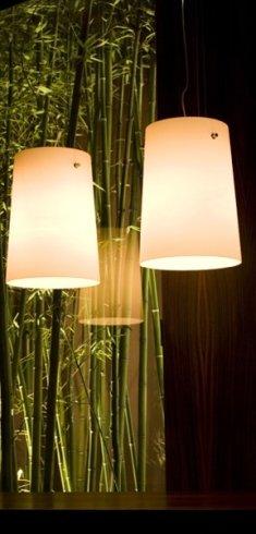 In negozio potrete acquistare gli eleganti lampadari modello Sera.