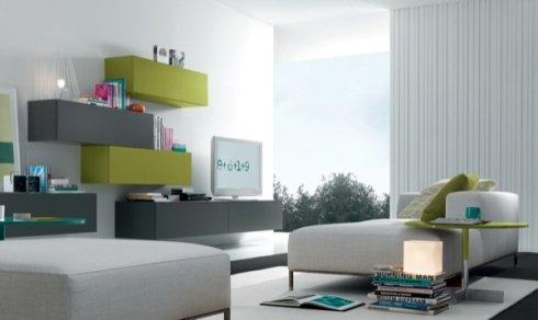 pensili grigi e verde acido, divani bianchi, chaise longue