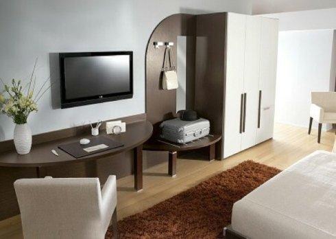 Presso la nostra azienda troverete scrittoi per l'arredo di camere di albergo.