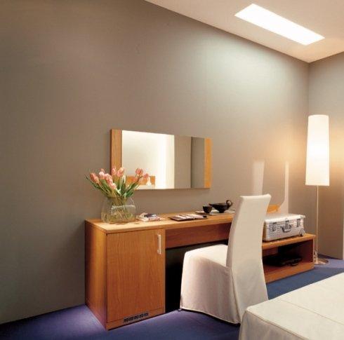 La nostra azienda propone scrittoi per camere d'albergo linea  Zalf.
