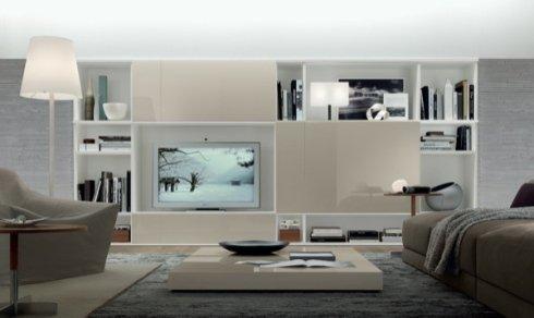 soggiorno moderno, divano marrone, tavolino quadrato basso