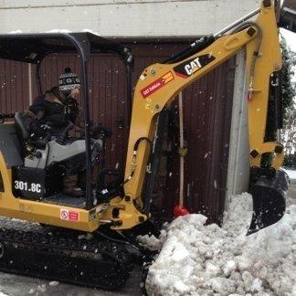 sgombero neve con macchinario