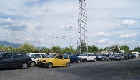 demolizione automobili