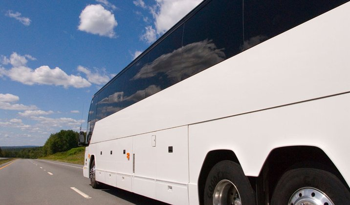 Coach hire - Chippenham, Wiltshire  - Coachstyle - coach