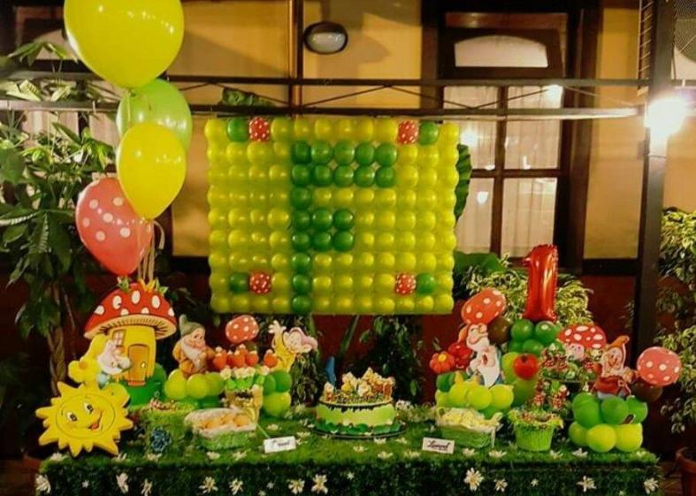 Allestimento con palloncini per una festa