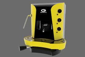 macchina per caffè gialla