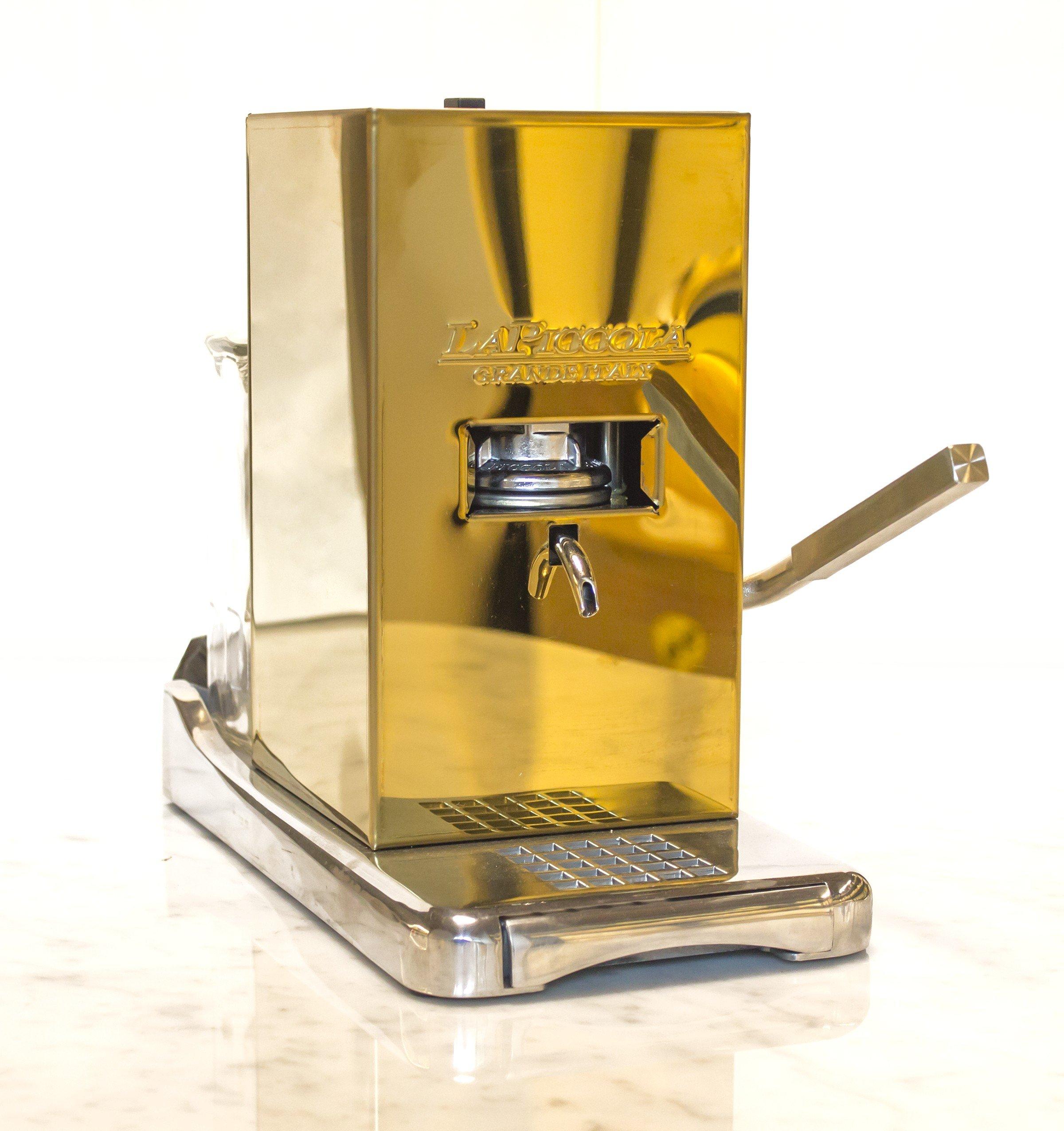 macchina per caffè color oro