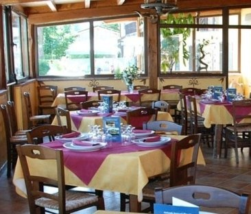 ristorante, camere, punto vendita