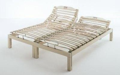 Letto matrimoniale con reti ergonomiche in legno