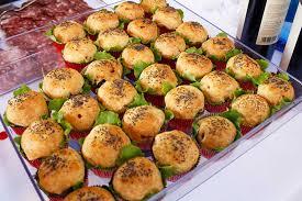 Vassoio con stuzzichi catering