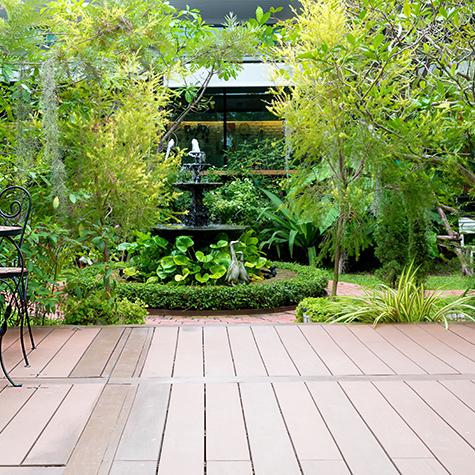 Come creare un meraviglioso giardino sul terrazzo di casa for Ambienti esterni giardini