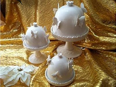 Vassoi per dolci con coperchi in porcellana