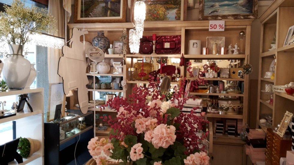 Bouquet di fiori all'interno di un negozio