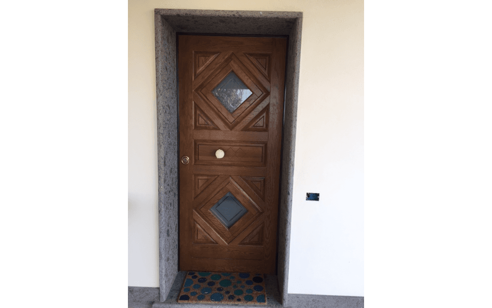 Finestre ed infissi su misura Porte, Portoni, Portoncini, Portoni Blindati a Ladispoli, Roma