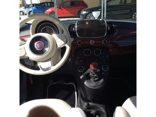 interno auto fiat 500