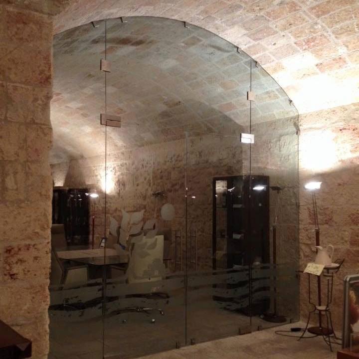 Porta in vetro presso Vetreria Ciullo a Ruffano, LE