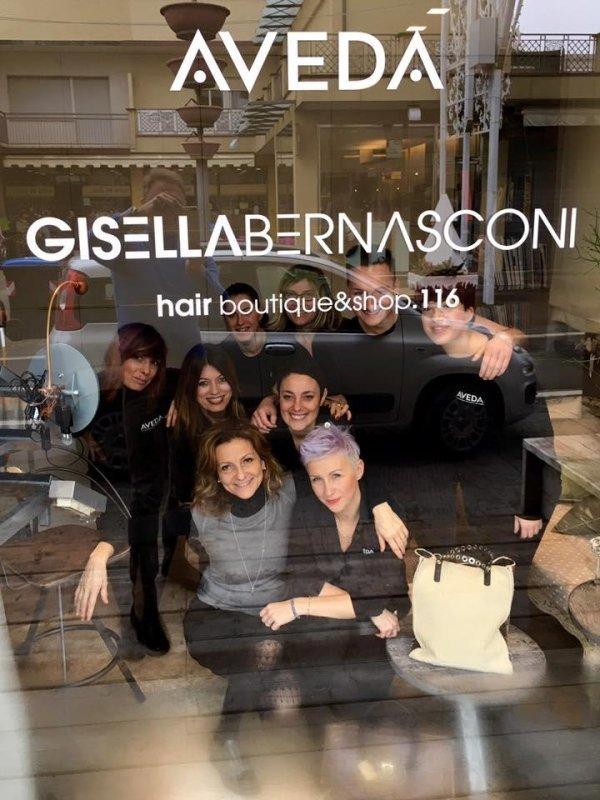 staff di hair stylist in salone di bellezza