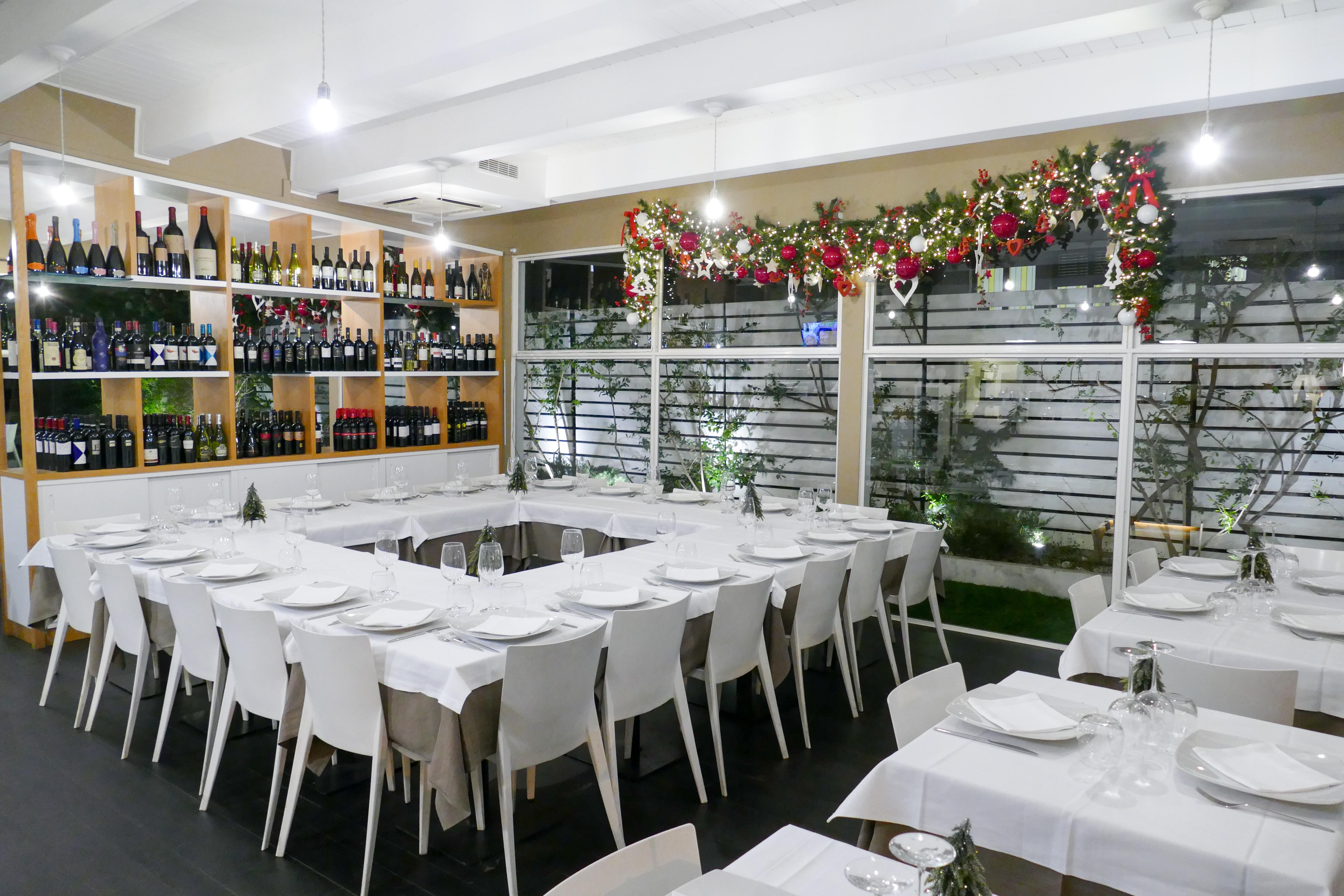 Bottiglie del vino al ristorante Nathalie Restaurant & Caffè a Bari