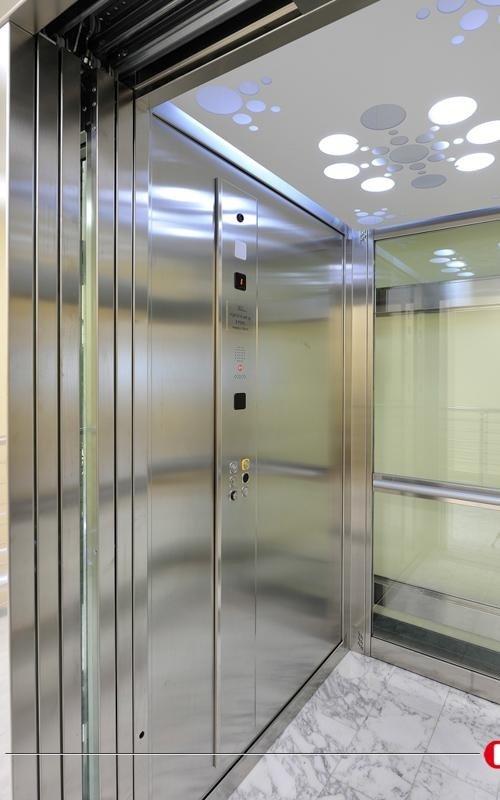Interno ascensore - Viale Ascensori