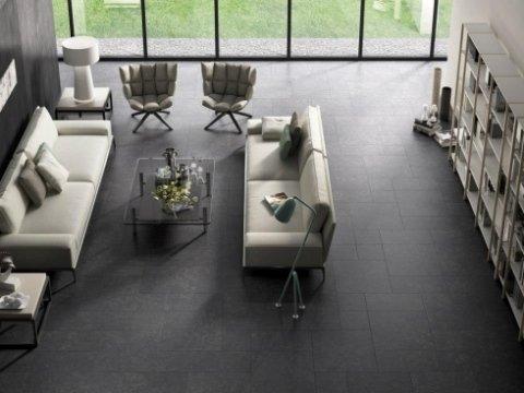 pavimento pietra scura