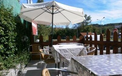 Ristorante con tavoli all 39 aperto gaggiolo varese hotel ristorante pizzeria eden - Ristorante con tavoli all aperto roma ...