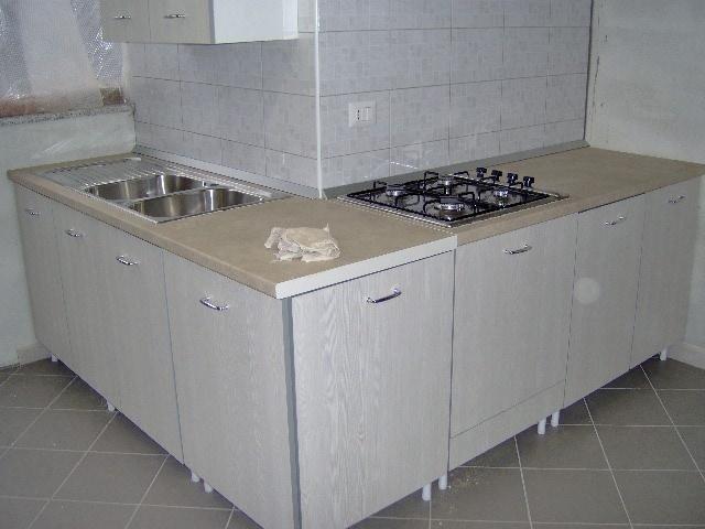 Quanto costa una cucina su misura eu meglio farsi costruire una cucina su misura dal falegname - Costo cucina su misura ...