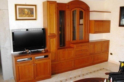 soggiorno in legno massello