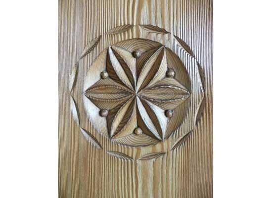 Dettaglio legno lavorato a mano