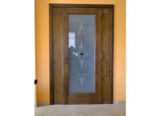 Porta di entrata con vetro decorato