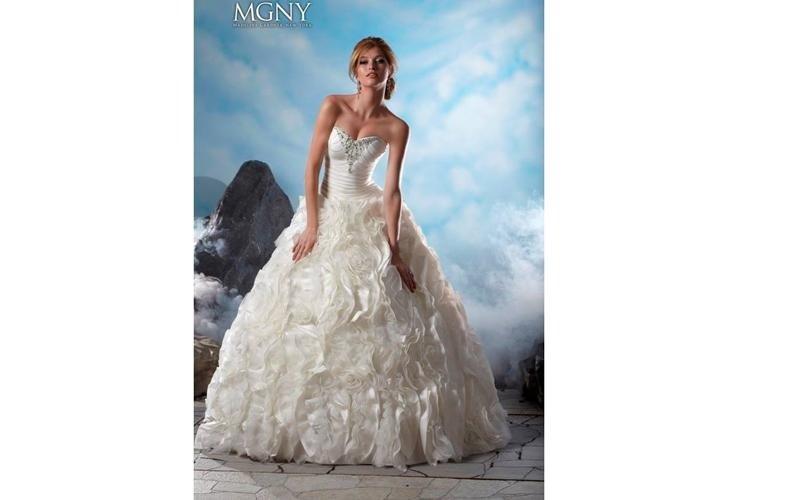 Abiti per la sposa in tessuti pregiati