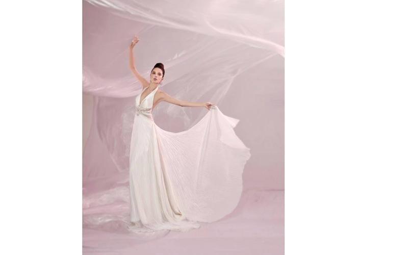Vestiti da sposa con strascico