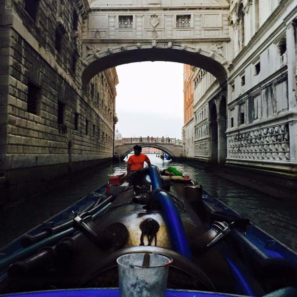 spurgo canali a Venezia