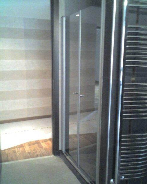 Porta per box doccia in allumino satinato e cristallo trasparente