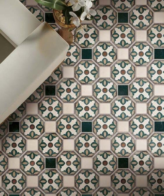Pavimento ottagonale con tozzetto decorato Asti