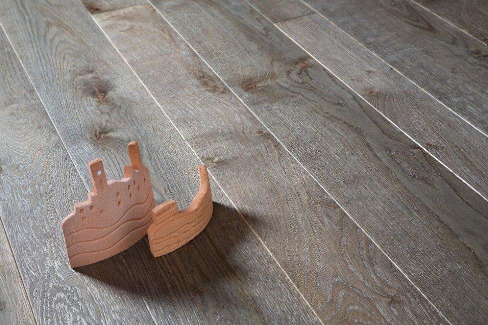 Pavimenti In Rovere Grigio : Vendita parquet asti tralli marmi ceramiche