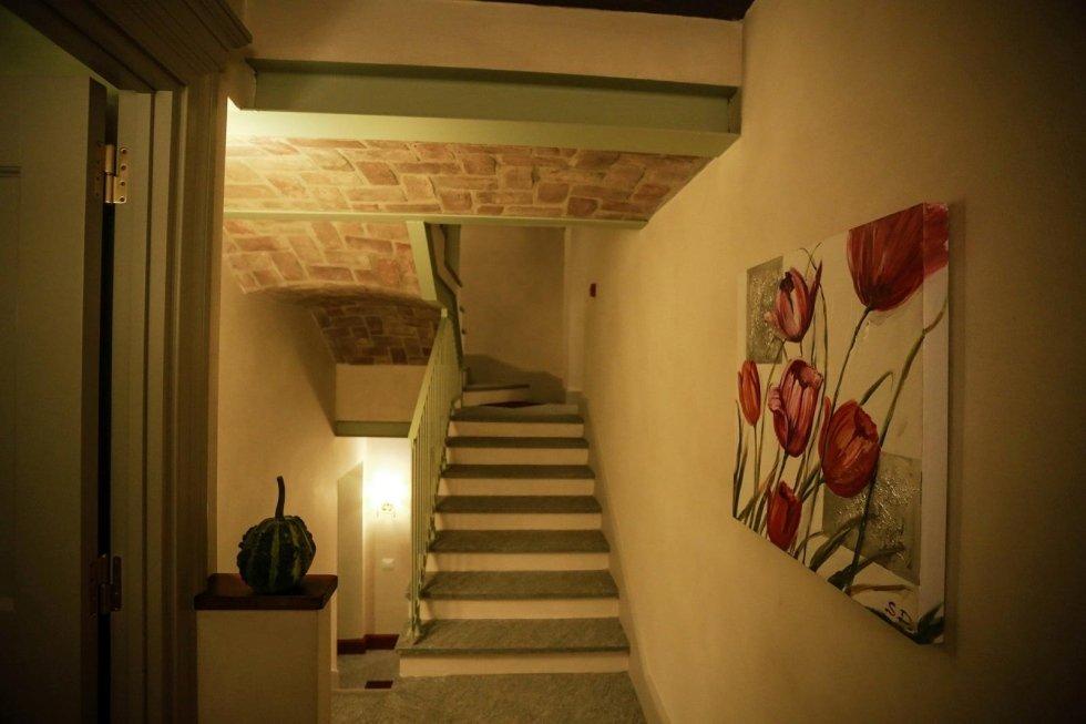 Scala interna in pietra di luserna spazzolata Asti
