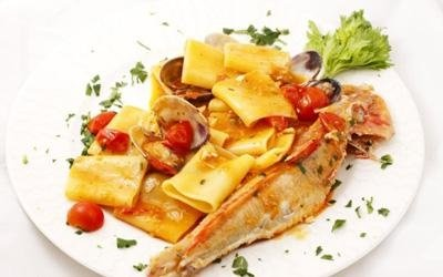 Paccheri con frutti di mare