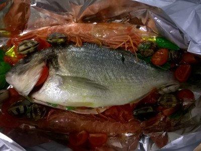 Un' orata e altro pesce fresco