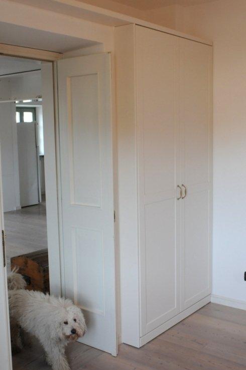 armadio con ante specchiate laccate