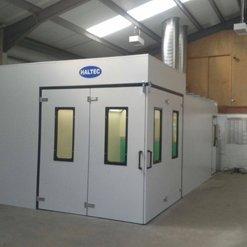 A corner spray booth