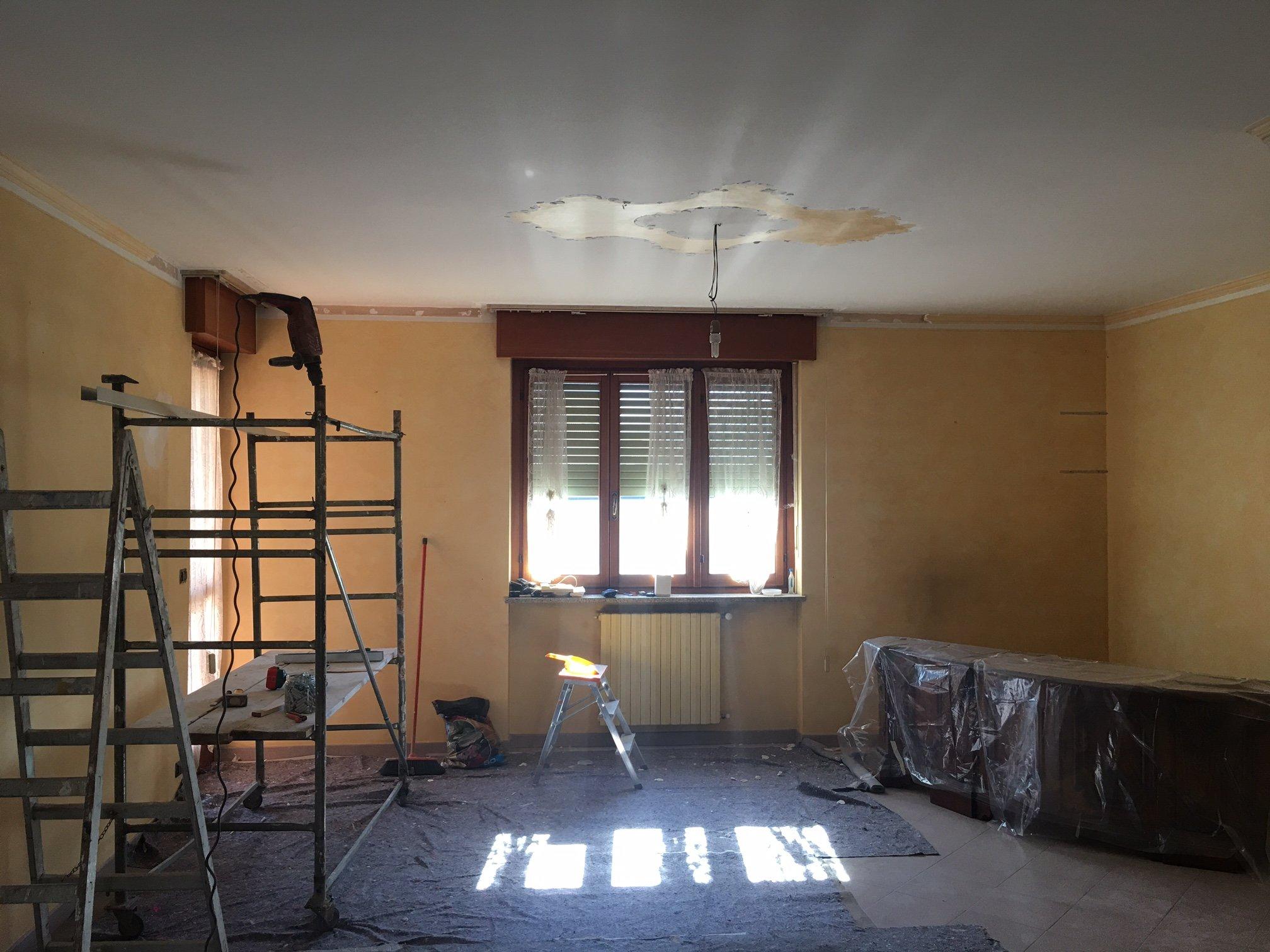 stanza da ristrutturare
