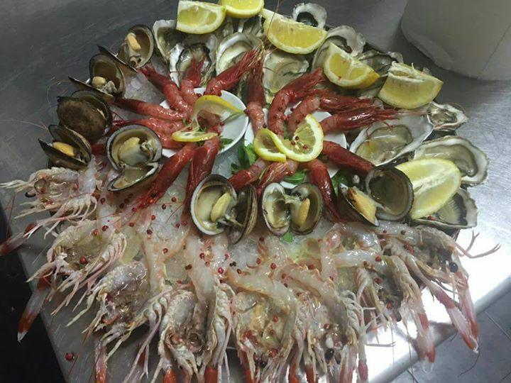 Centro tavola di frutti di mare