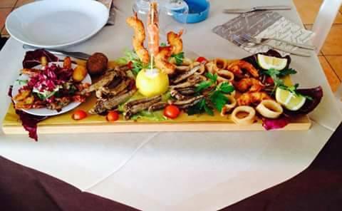 Centro tavola a base di pesce