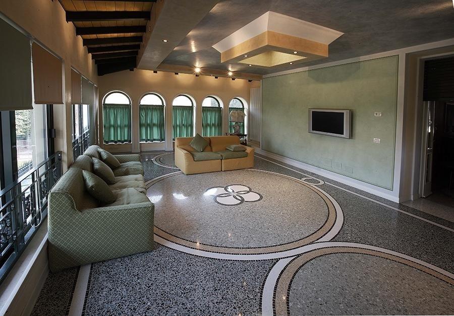 realizzazione pavimenti d'interni