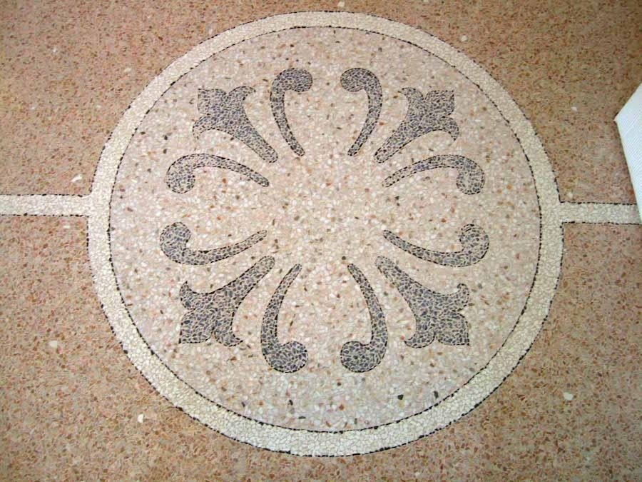 rosone artistico in marmo veneziano