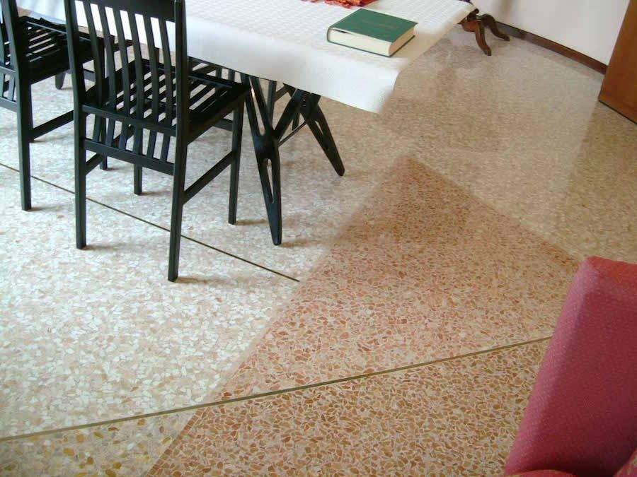 lavorazione pavimento seminato veneziano